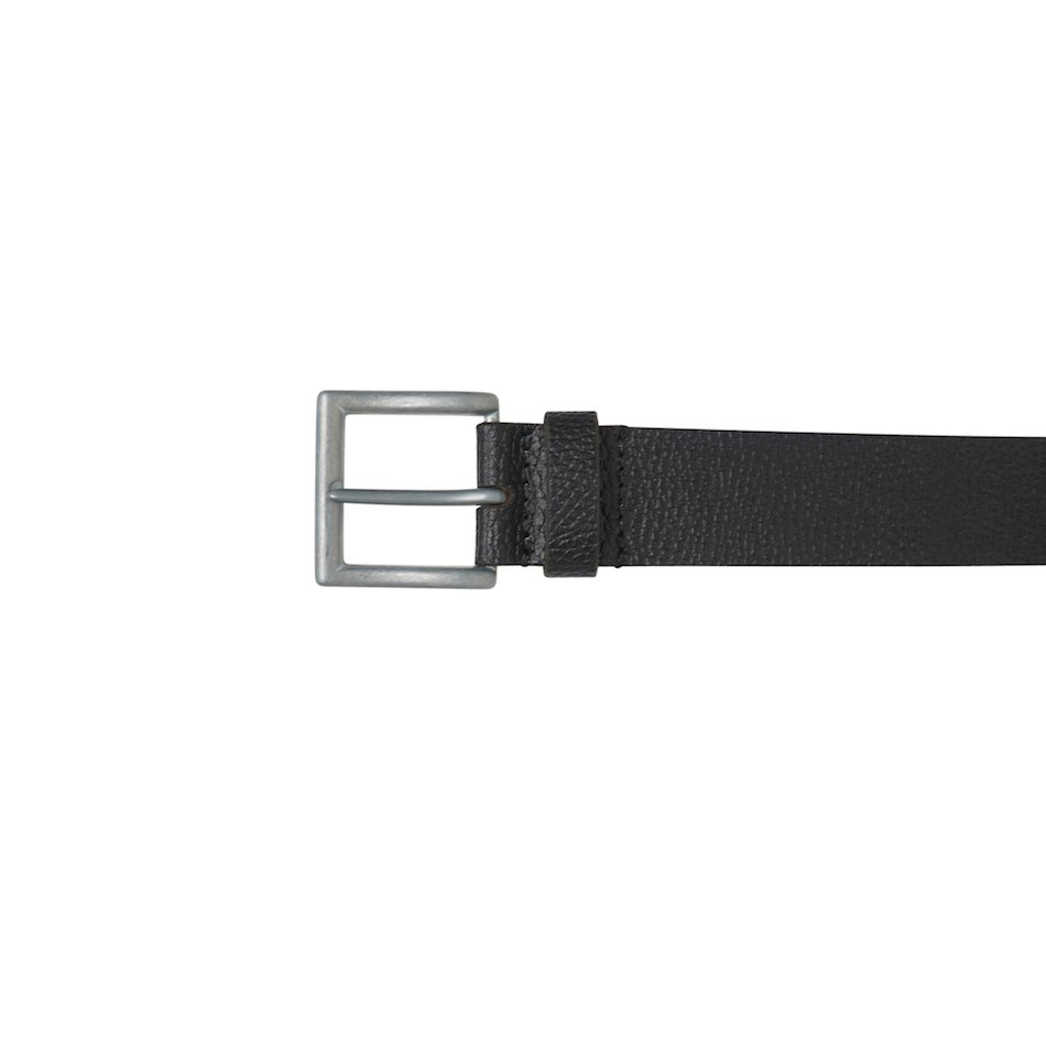 This image shows a Men's Real Leather Black Barney's Original's Belt. This image focuses on the silver buckle on the belt.