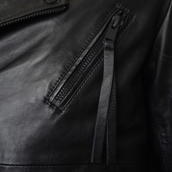 10 Leather Jacket Outfit Ideas For Men To Try This Season