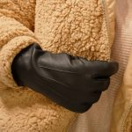 Black Thinsulate gloves lifestyle